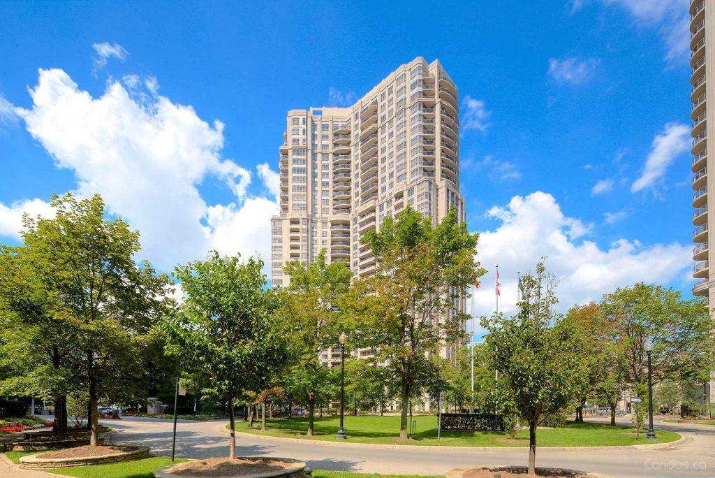 Skymark West 35 Kingsbridge Garden Circle